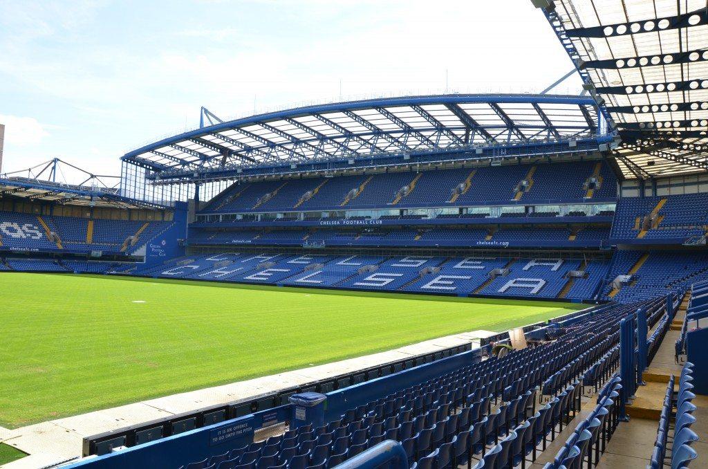 Kibicowanie w londyńskim stylu, czyli jak to jest być na Stamford Bridge