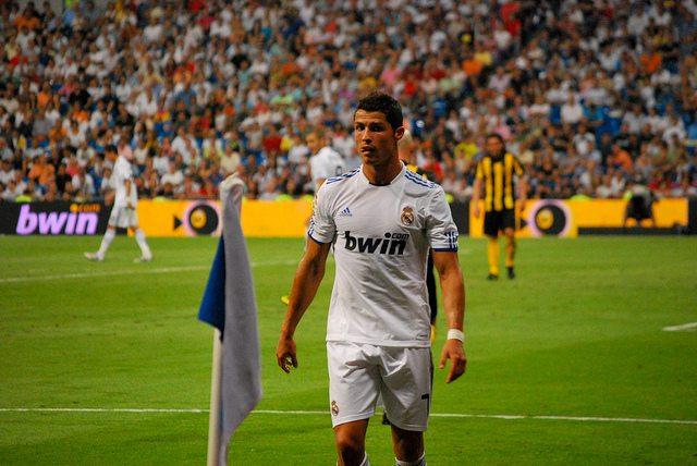 """Cristiano Ronaldo, czyli jak być bezbarwnym w """"kolorowym"""" finale"""