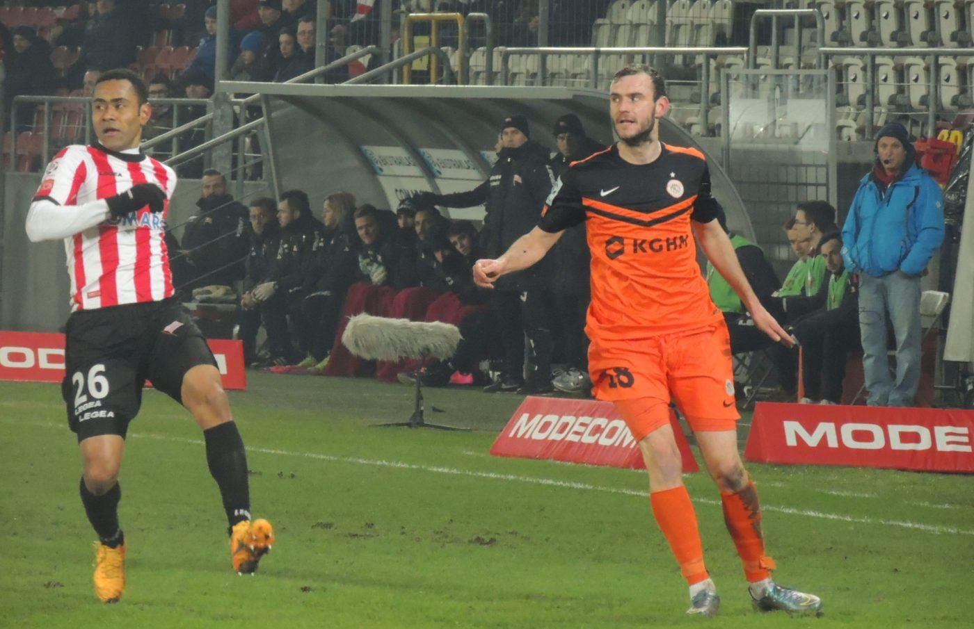 """""""Figo"""" z golem na wagę remisu, hat-trick i przebudzenie Carlitosa"""
