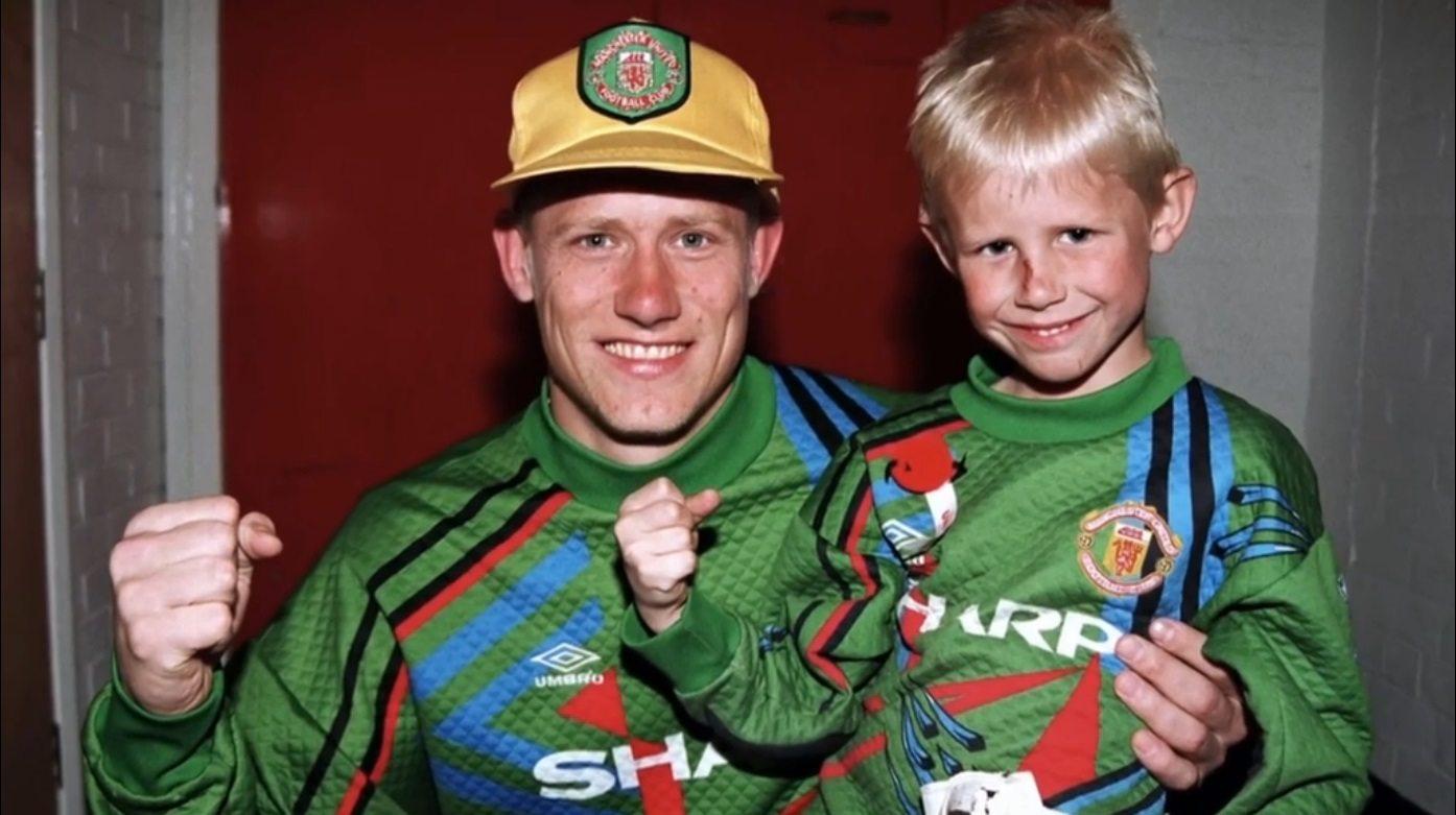 Jaki ojciec, taki syn – wzbogacona o polskie wątki futbolowa historia rodziny Schmeichelów