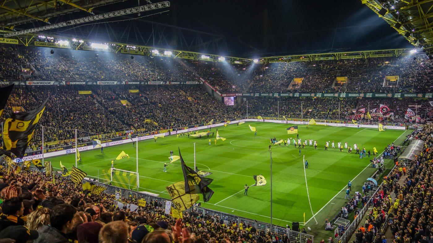 Przegrany remis Borussii – poniedziałkowy nonsens Bundesligi trwa dalej
