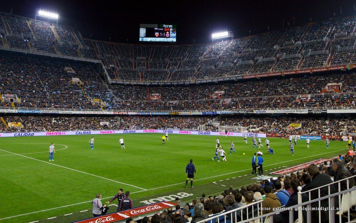 Sensacja na Mestalla. Cristiano Ronaldo uratował Real przed kolejną porażką