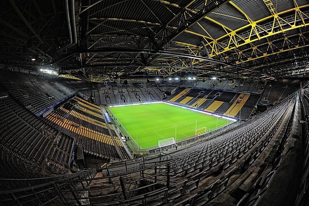 Michy debiutuje, Lewandowski odpoczywa i klęska Eintrachtu