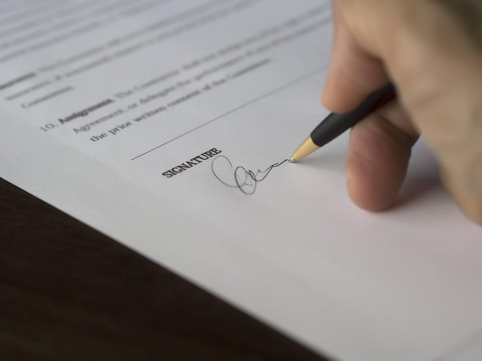 Najdziwniejsze warunki piłkarskich kontraktów