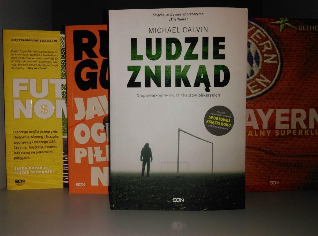 """Biblioteczka iGola #7: """"Ludzie znikąd"""" – członkowie ukrytego plemienia futbolu"""