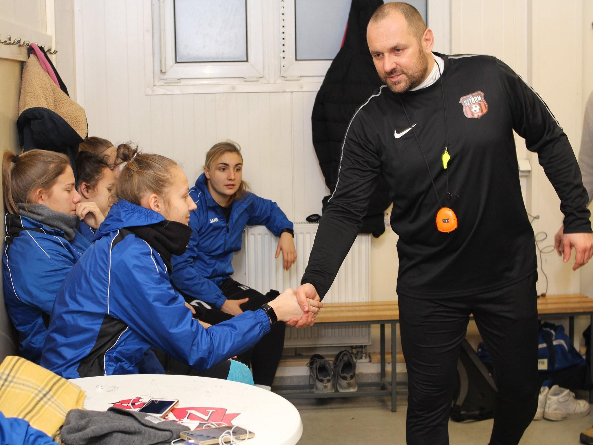 """Adam Gołubowski: """"Moje priorytety? Licencja UEFA PRO, a potem I liga"""" (Wywiad)"""