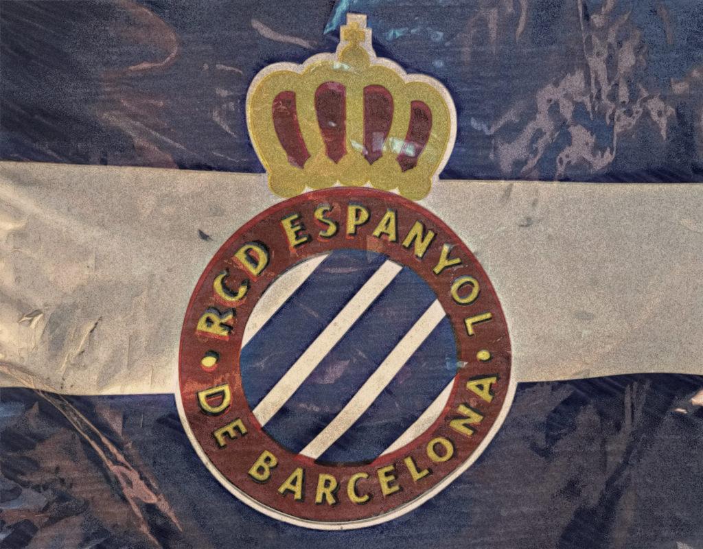 Porażka w derbach Barcelony pieczętuje spadek