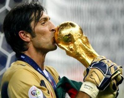 """""""Niczego nie żałuję"""" – Juventus żegna się z Buffonem"""