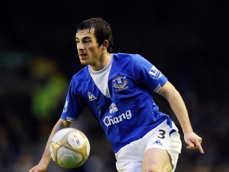 Baines na dłużej w Evertonie