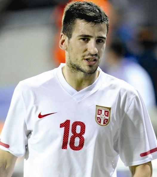 Tomović obserwowany przez Milan