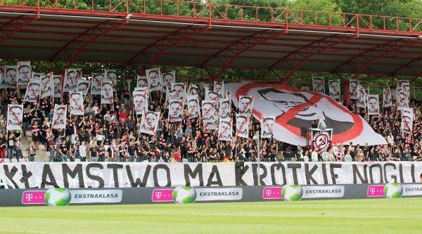 """Czarne chmury nad """"Czarnymi"""". Polonia Warszawa zmierza ku zagładzie"""