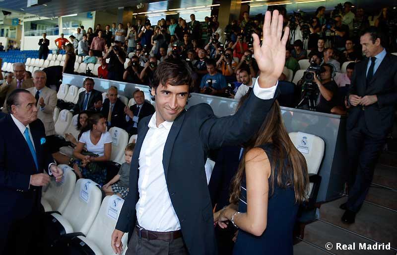 Gines Carvajal: Raul zostanie w Schalke