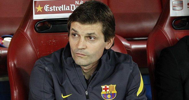 Valdes, Iniesta i Adriano poza składem