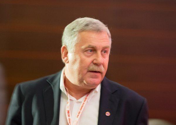 Jerzy Engel: Polska jest faworytem do awansu